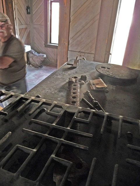 Lower Vine Ranch - Top of Stove (3453)