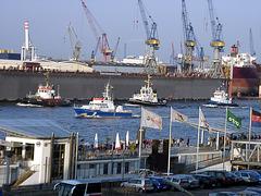 Escorte für Queen Mary 2