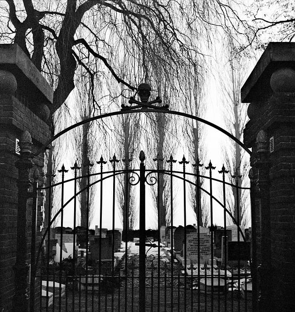 Oostknollendam - Cemetery