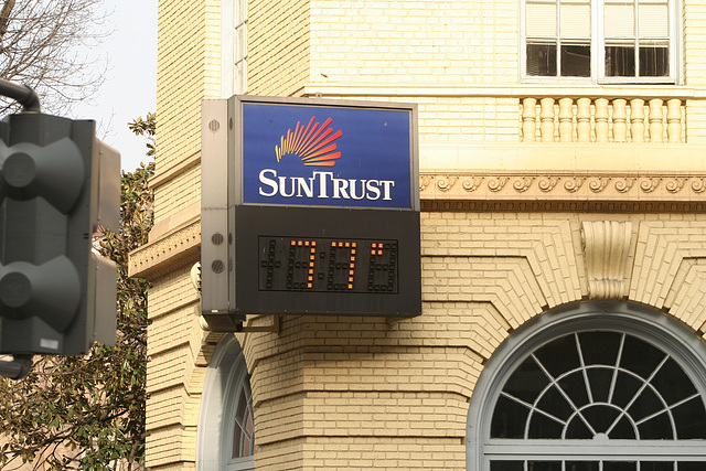 77Degrees.SunTrustBank.WDC.7mar09