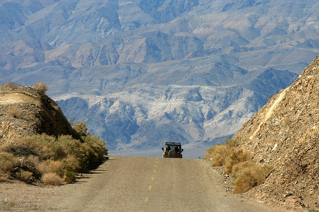 Wildrose Road with a view into Panamint Valley (9640)