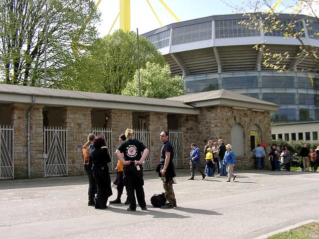 "Stadion ""Rote Erde"" mit danebenliegender Plastikarena"