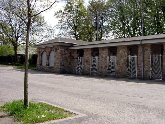 """Gates Stadion """"Rote Erde"""""""