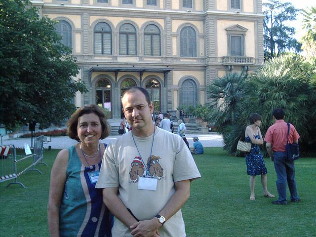 """Boooone.... Ana Montesinos, la """"kulpulino"""". Ŝi puŝetis min en la esperantan movadon en 1986... ekde tiam la esperanto-movado estas iomete pli malproksime de la """"fina venko""""..."""