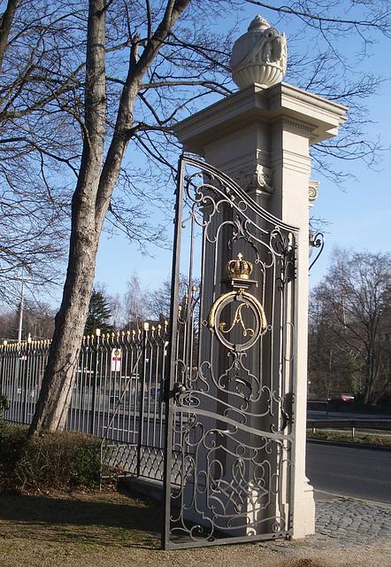 Tor zum Park und Schloss Richmond an der Oker in Braunschweig