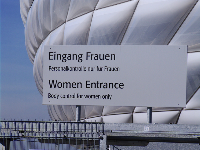 Fraueneingang