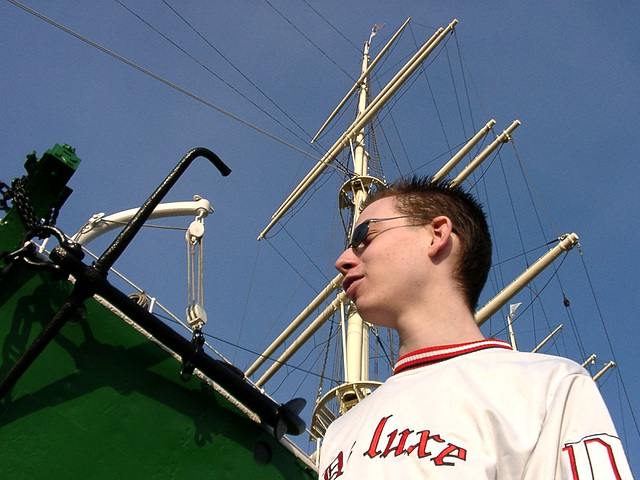 "Pierre in front of ""Rickmer Rickmers"""