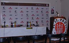 Ambiente einer Pressekonferenz