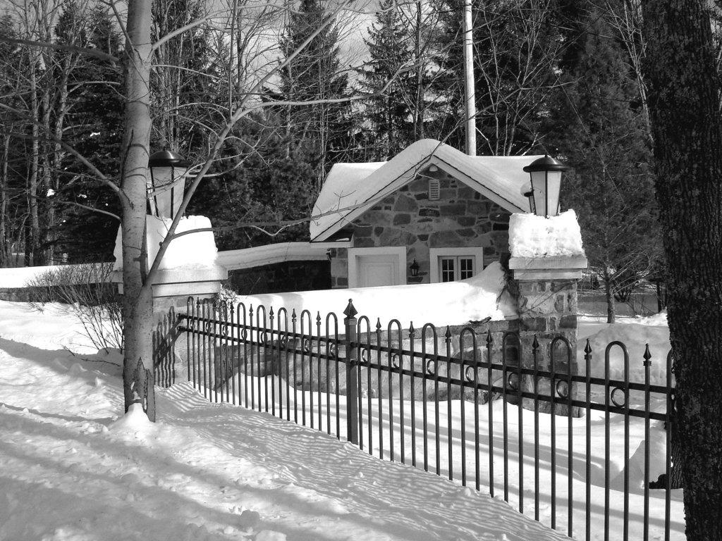 St-Benoit-du-lac / Québec- CANADA - B & W