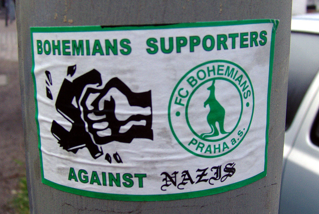 Bohemians supporters against Nazis