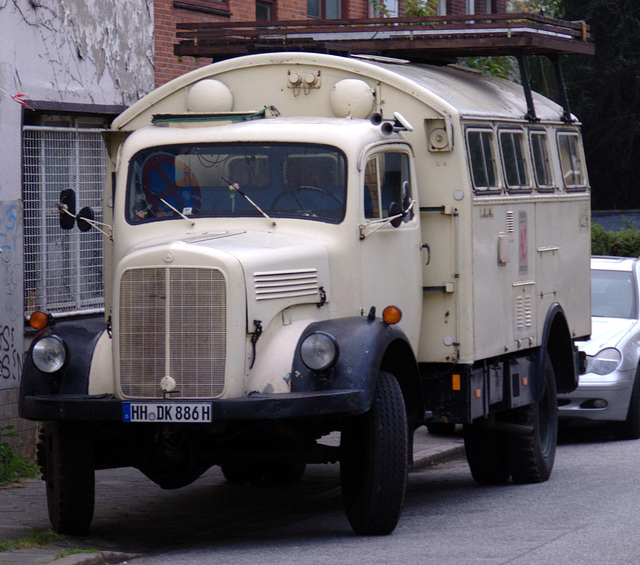 Old living-truck