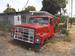 Yarizin offbeat truck / Art camionné.