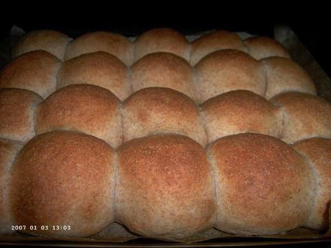 Bruine speltbroodjes