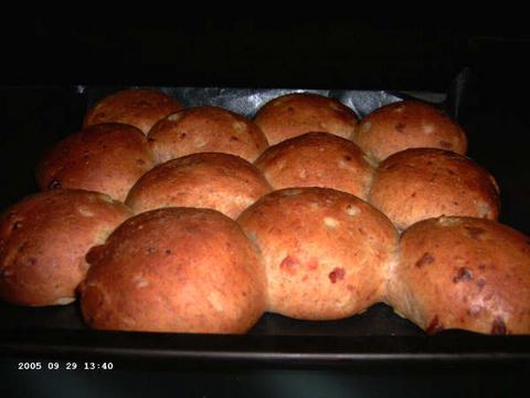 Volkorenkaas-uienbroodjes