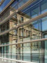 Die Münchener Residenz im Spiegel des Max-Planck-Gebäudes
