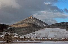 le HAUT-KOENIGSBOURG, chapeauté de neige