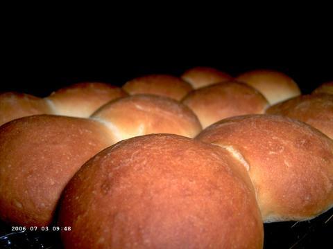 Buttermilk Bread Rolls / Lora Brody