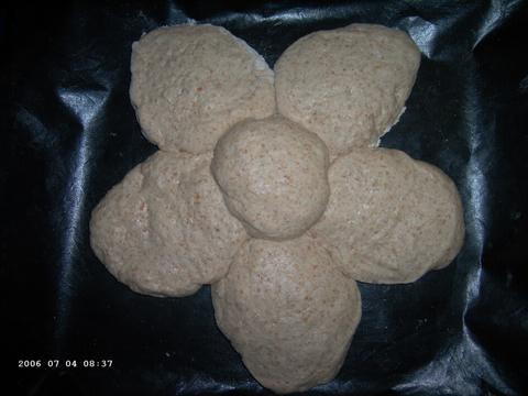 Star-Shaped Country Bread / Joe Ortiz 1