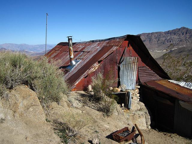 Cabin In Striped Butte Valley (4291)