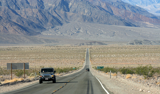 California 190 in Death Valley NP (9588)