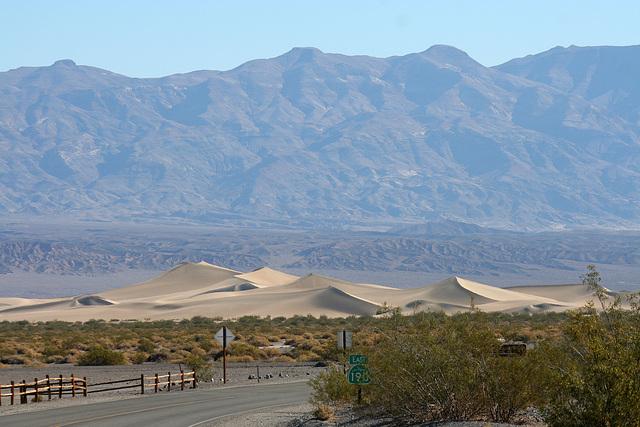 Sand Dunes in Death Valley (9608)