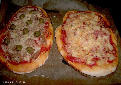 Pizza's: Tonijn/olijven en Hawai