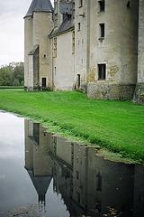 MEILLANT Chateau dans l'eau