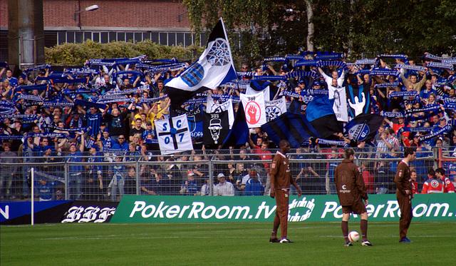Gästekurve beim SC Paderborn - Spiel