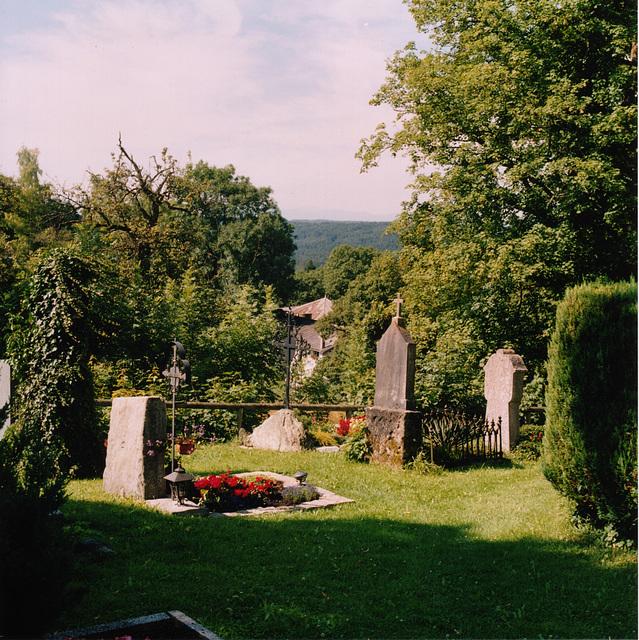 Friedhof der Hl.-Kreuz-Kirche, Icking