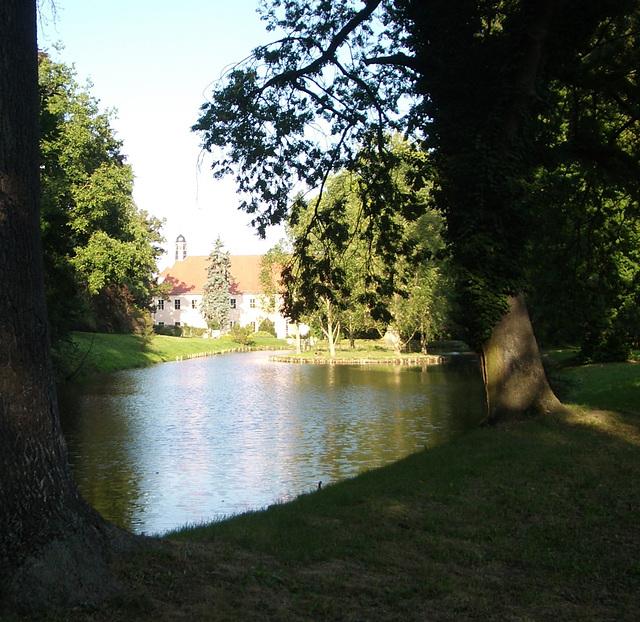 im Park der Hundisburg