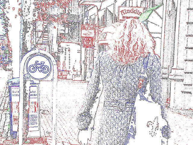 Aladin Swedish blond Lady in hammer heeled boots /  Blonde Suédoise en bottes à talons marteaux - Helsingborg / Suède.  22 Octobre 2008- Contours couleurs ravivées