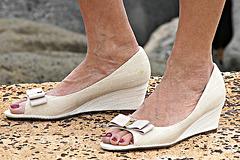 etienne aigener wedge heels