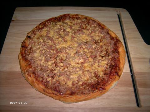 Tonijnpizza met Peel weer uit de oven