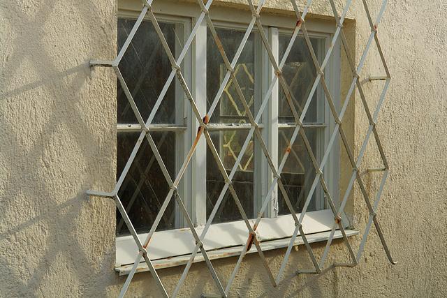 Icking - Fenster des ehem. Postgebäudes