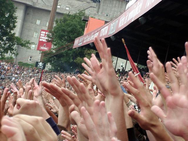 Hands-up