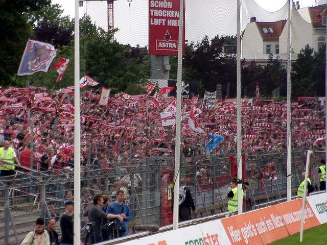 Scarfs and flags in the Guestssector