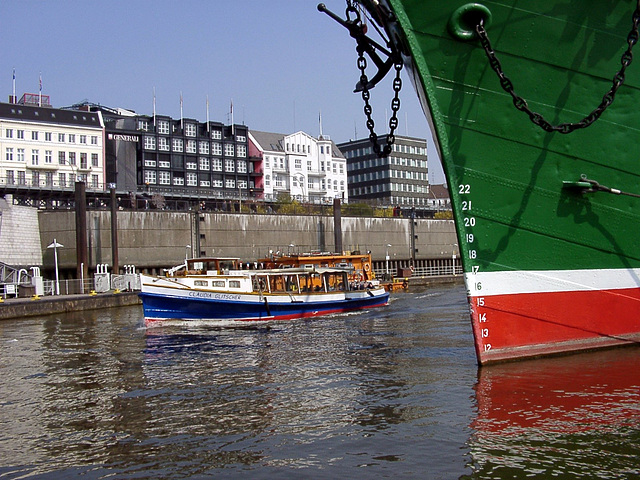 "Barge with the bow of ""Rickmer Rickmers"""