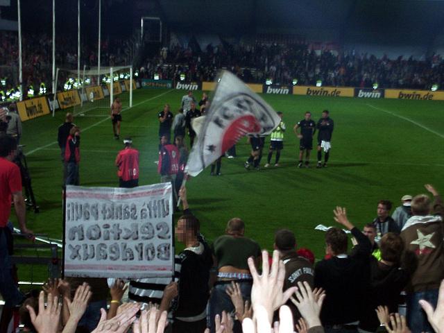 Hands up aufter the match