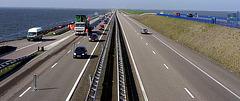 Autobahn durch den Ozean... auf beiden Seiten ist Wasser