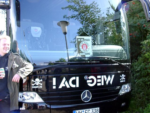 "Weg da! (Get away!) in mirror-fonts (and ""St. Pauli"", too)"