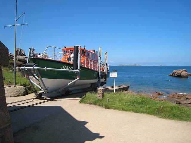 Bateau du secours en mer de Ploumanach