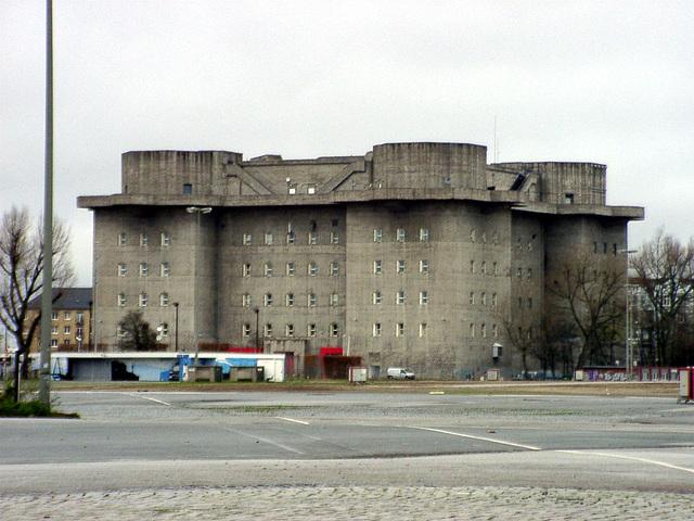 Flak- Hochbunker