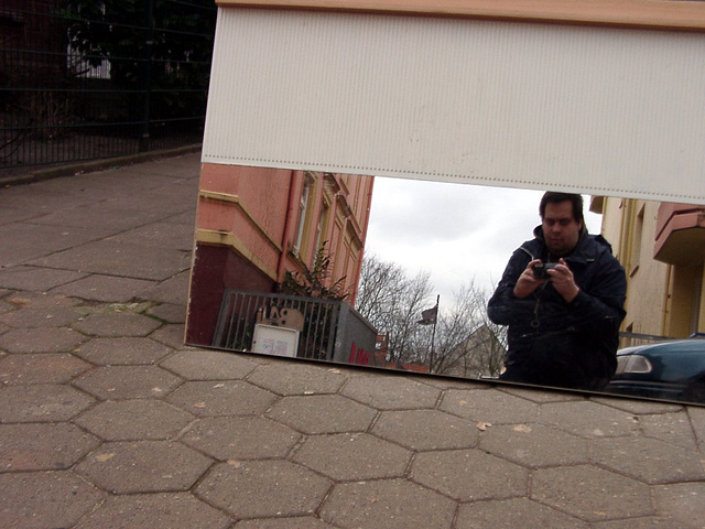 Day #010 - Mirrored rubbish on the street