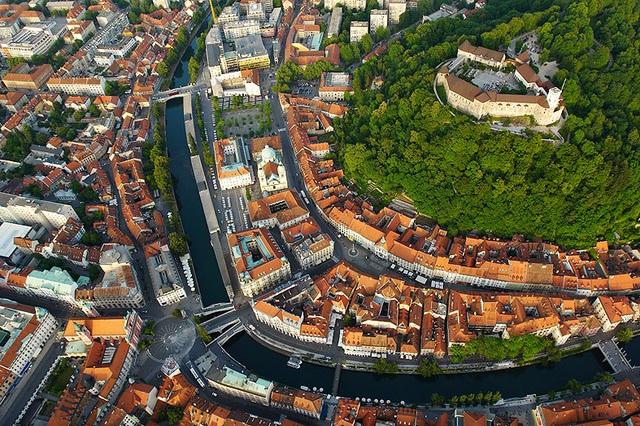 Ljubljana - kapitol-urbo