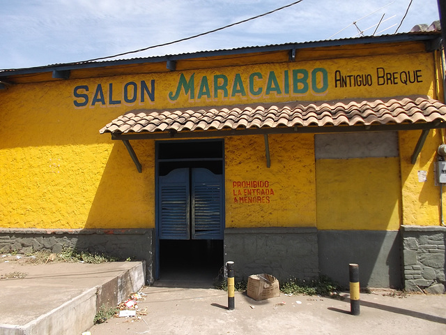 Salon Macaraibo - Antiguo Breque.