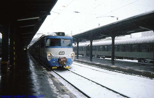 CD #451 099-6 In The Snow, Masarykovo Nadrazi, Prague, CZ, 2007