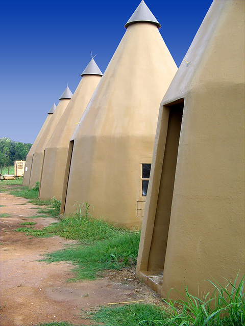 Tee Pee Motel Rooms