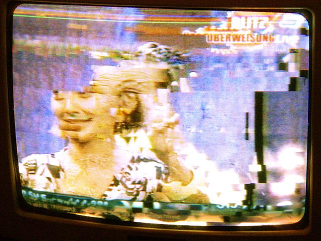 Die letzten Sekunden einer Bildröhre / The last seconds of a tv