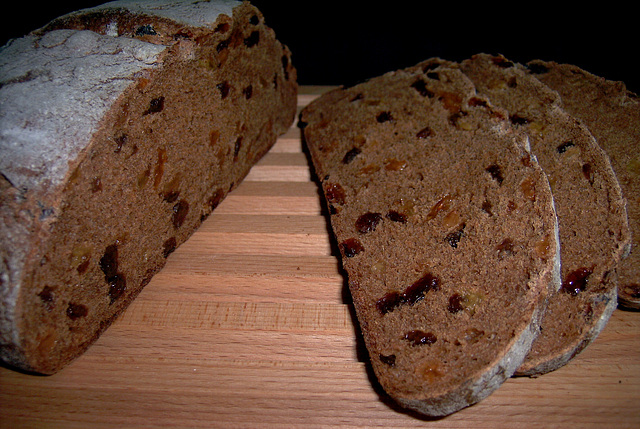 Raisin Pumpernickel Bread 2