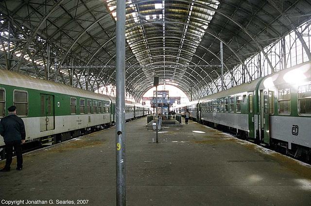 Platform 2, Praha Hlavni Nadrazi, Prague, CZ, 2007